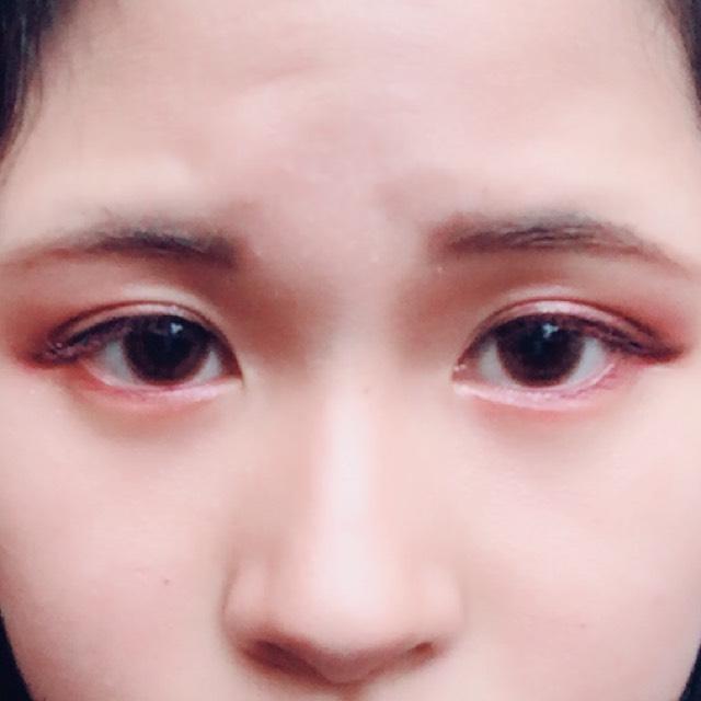 眉毛とノーズシャドウは、キャンメイクのナチュラルシフォンアイブロウ02番の左側の色を使いました。 眉マスカラはヘビーローテーションです。