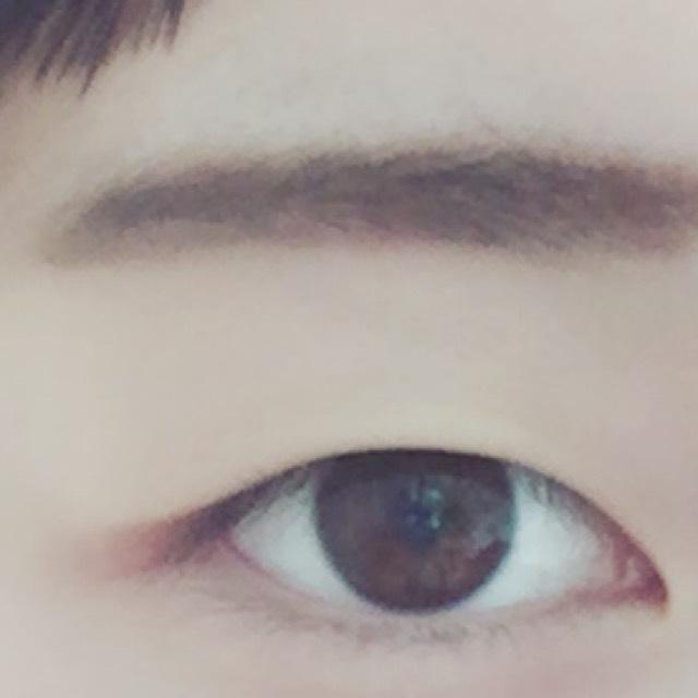 眉毛はアイブローパウダーでふんわり仕上げた後眉マスカラで整えて完成です