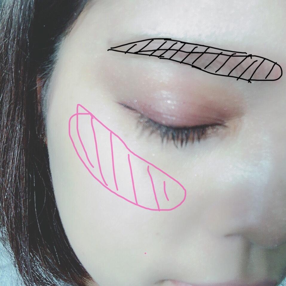 アイブロウは線を引かずそのまま入れます! 流れるような並行眉が好きなのでいつもこのスタイルです◎ チークは薄めに頬骨に沿ってシャープに入れます