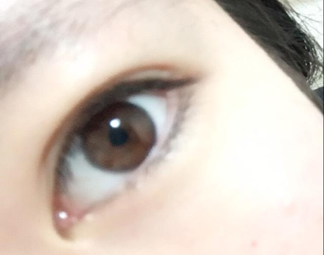 私が今まで使ってきたカラコンの一部を紹介していきたいと思います♪ こちらが裸眼です。