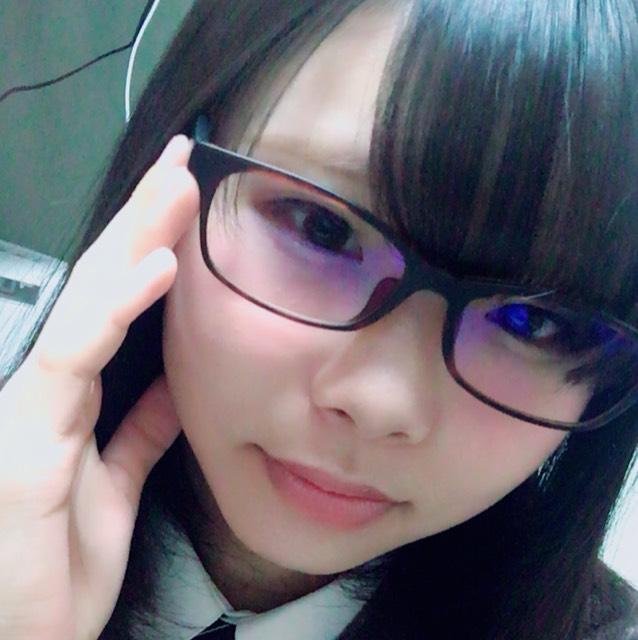 眼鏡ありだと可愛く知的に