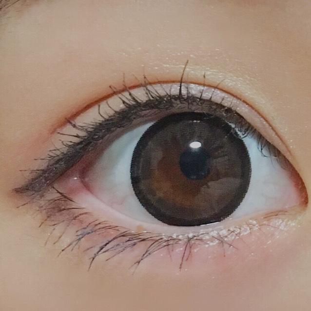 *Today Contact* エンジェルカラー バンビ アーモンド1day  着色14mm程+黒フチなのでナチュラルではないです。かなりくりくりになります。
