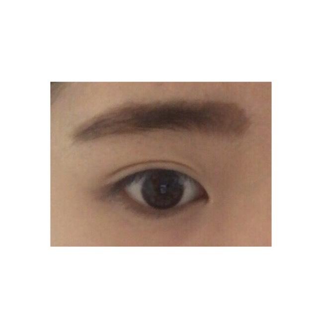 韓国の方って眉毛が綺麗だなって思ったことありません? まさにこのアイブロウはそんな綺麗な眉毛を作り上げてくれます✨  ※今度、眉毛だけの紹介をのせます
