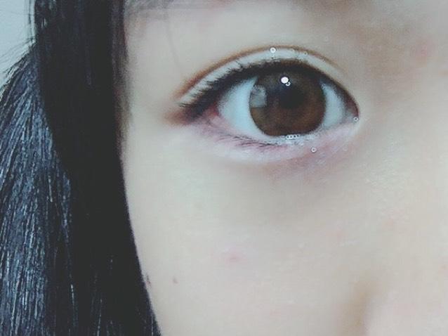 マスカラは黒でぱっちり目に (私はボリュームタイプにしました)