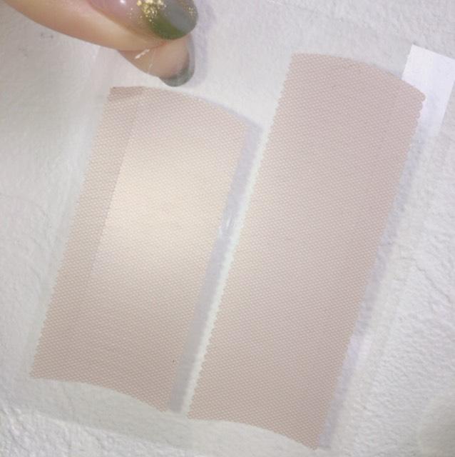 使うのはコチラ! ザ・ダイソーさんの 伸び〜るアイテープのスリムです。 黄色のパッケージなのですぐわかるかな〜と♩