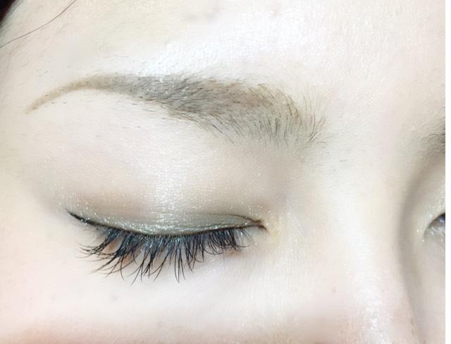 シャープな眉毛の書き方
