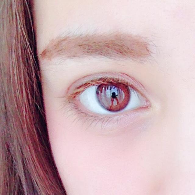 アイラインは ブラウンカラーのインライン  マスカラは 眉マスカラを使用しました。丁寧にのせてください。