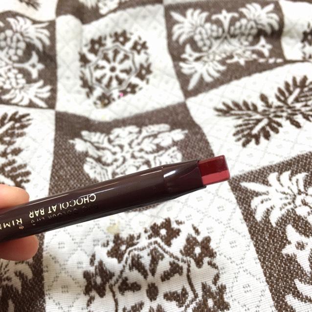 リップはリンメルのデュオカラーリップス ショコラバー003を使いました。 暗い色が内側に明るい色が外側になるように塗ってグラデーションリップにします。