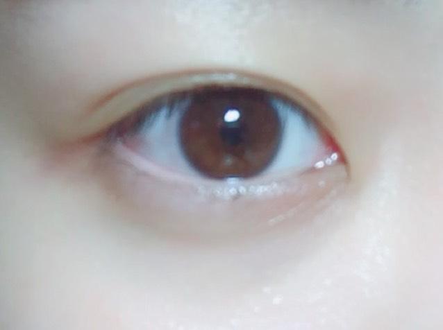 目尻ピンクメイクのBefore画像
