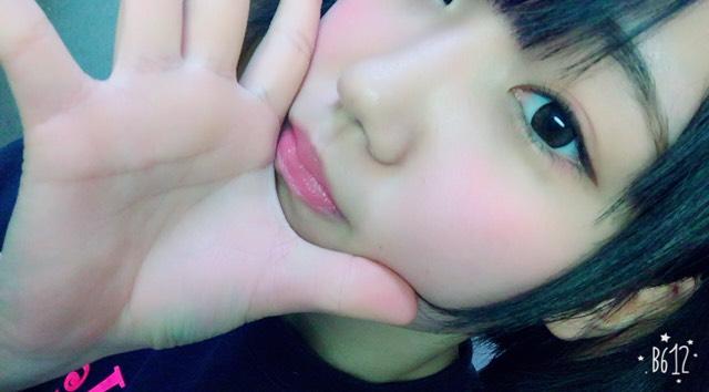 リップはチークの色に合わせてピンクヽ(・∀・)ノグロスでちゅるんな唇に!