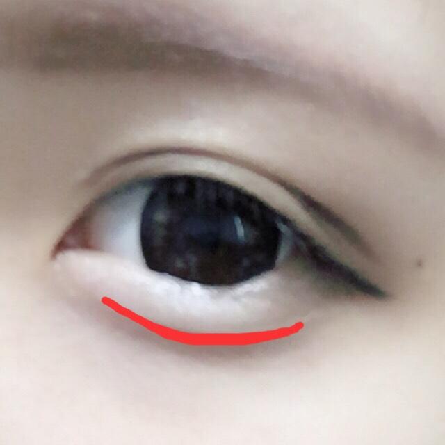 最後にその上を眉に使ったペンシルでなぞります  濃くしすぎないように注意⚠