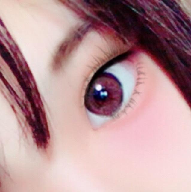 肌は粉っぽくならないようにリキッドしか使わないー 眉毛はわりと濃く、