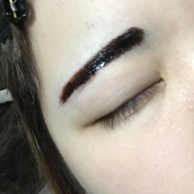 フジコのまゆティント使用。完全にイモトです。 眉毛毎朝書くのが面倒なので…(3~7日は持つとか)
