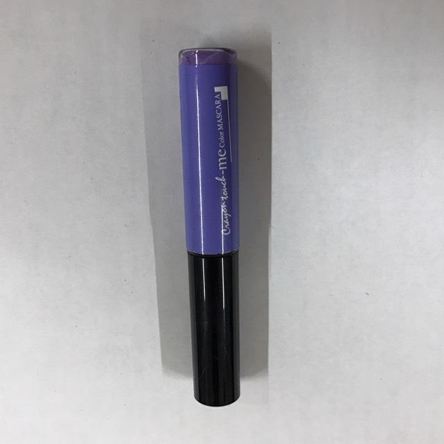 (何故か写真が逆さまに…) 上まつげの紫マスカラはキャンドゥー商品です。 パステル系で発色が良くて可愛いのでオススメです
