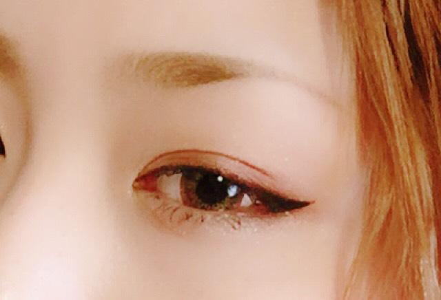 伏し目がち色気eye
