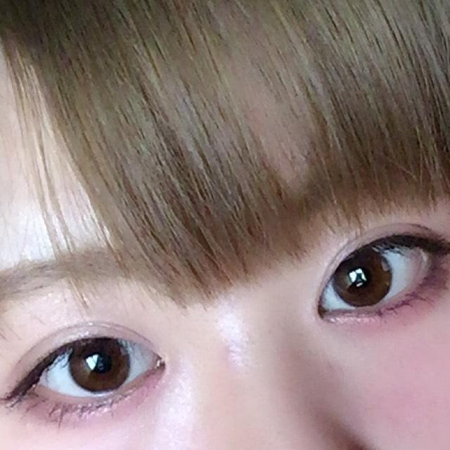 8.眉は平行に眉尻を少し下げるといいです。マスカラは上下たっぷり塗ります。