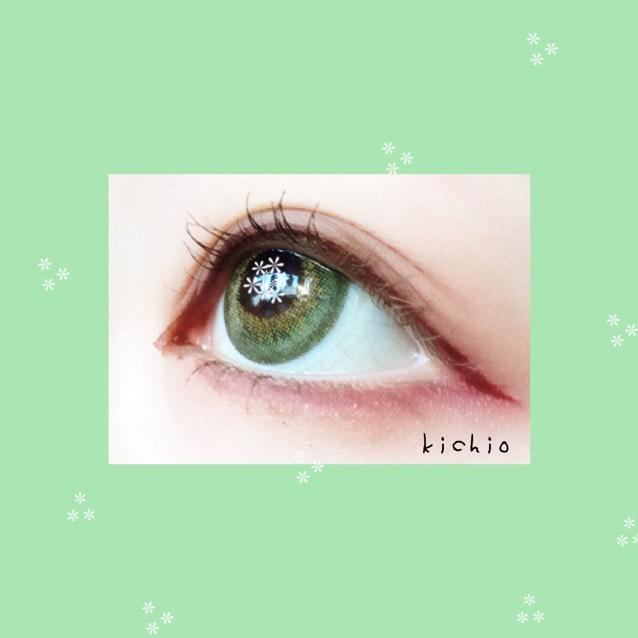 横から見ると綺麗に仕上がる‼︎  グリーンのカラコンだとやはり赤系が生えるね( ͡° ͜ʖ ͡°)  ちなみにまつ毛は 下地しっかり→眉マスカラ+ブラウンマスカラ