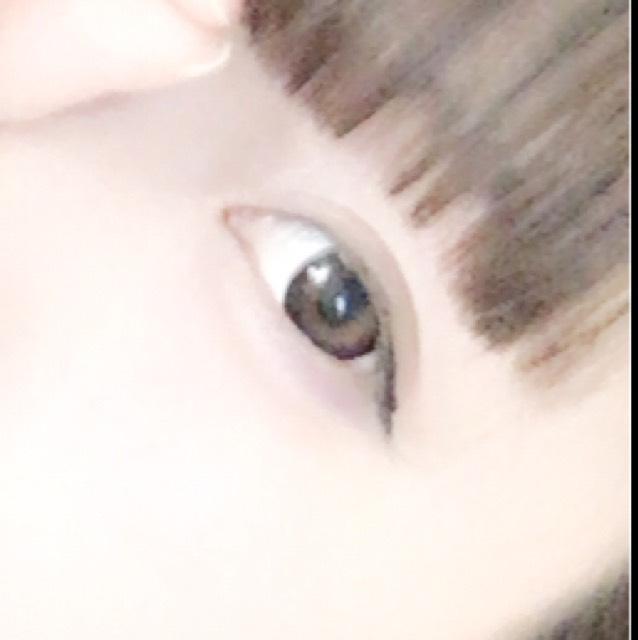 目の下はエクセルのアイシャドウ(恋コスメ)を使いました! 1/3に涙袋 2/3に青みピンクのアイシャドウを!