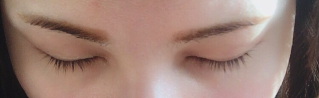 眉尻までしっかり色が着きました! やはり毛があるとこよりは薄いのですっぴん時は眉マスカラで自眉毛を薄くした方が自然でした!
