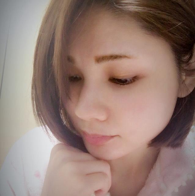 デカ目春メイクのBefore画像
