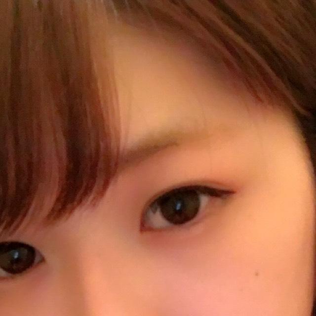 眉毛も書かずに、眉マスカラもしないとこんな感じです( ´ ▽ ` ) 眉毛生えてないところもしっかり色ついてて眉毛いじらずに出かけられる〜( ´ ▽ ` )