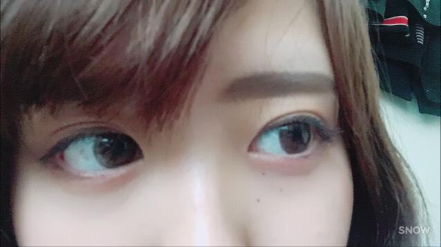 肌はマットに仕上げて、眉毛はなるべくナチュラルに  アイシャドウはピンク系のものでマスカラはロングタイプのものを使ってます