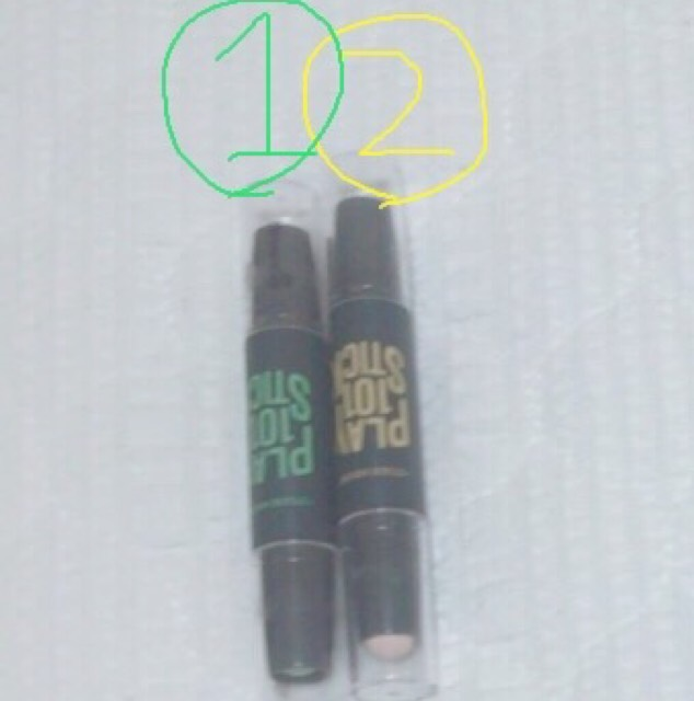 まず下地  エチュードハウス/プレイ101スティック  1番 青/緑 2番 茶/白