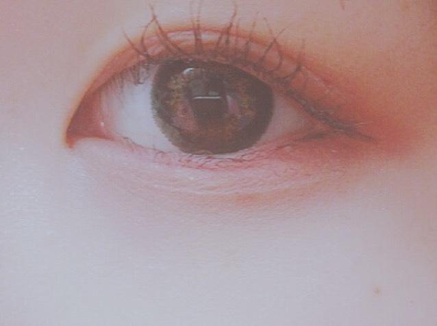 アイホールに薄オレンジぬって目尻側上下に赤ぬって涙袋にベージュ!  マスカラ!すごい!下地全然いらない、、、前からこれにすればよかった〜リピの予感❤︎