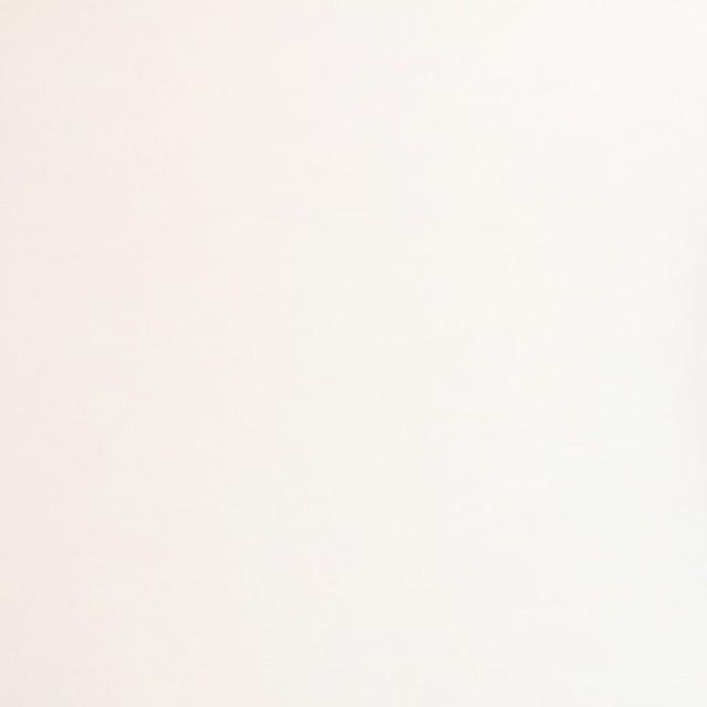 アイメイク アイシャドウベース→ピンク二重幅に→パープル目尻側に→ボルドーを下まぶた目尻3分の1と上まぶたの際に細く→下まぶた目頭側にキラキラピンクシャドウ→アイラインはブラウンで細めに→目尻にピンクのカラーライン→ビューラー→マスカラ下地→ブラウンマスカラ