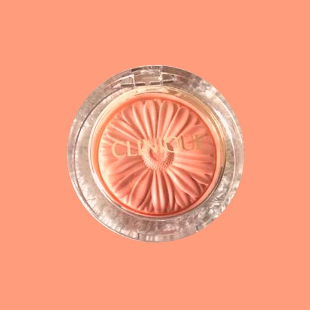 チークはエスプリークのメロンオレンジ  リップはちふれの418を使いました