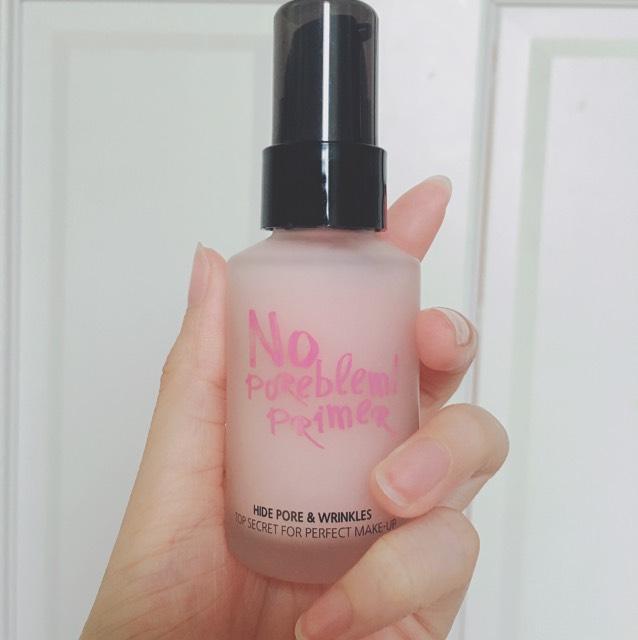 化粧水、美容液、乳液などを塗った後、プライマーを塗ります。  その後 ↓BBクリーム  ↓コンシーラー  ↓ミネラルウォータリーファンデーション  ↓ビューティーフィルターファンデーション  の順番に薄く塗ります。  コンシーラーはクリームタイプの物を目の下、眉上、鼻筋に塗ってます。