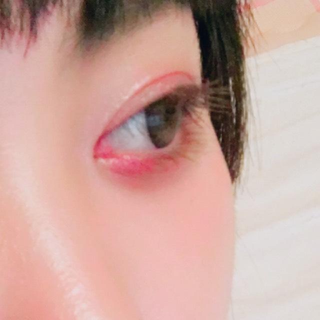 マスカラは、ビューラーをせずにブラウンの眉マスカラをしっかり上下に塗りました  ブラウンのマスカラを切らしていたので