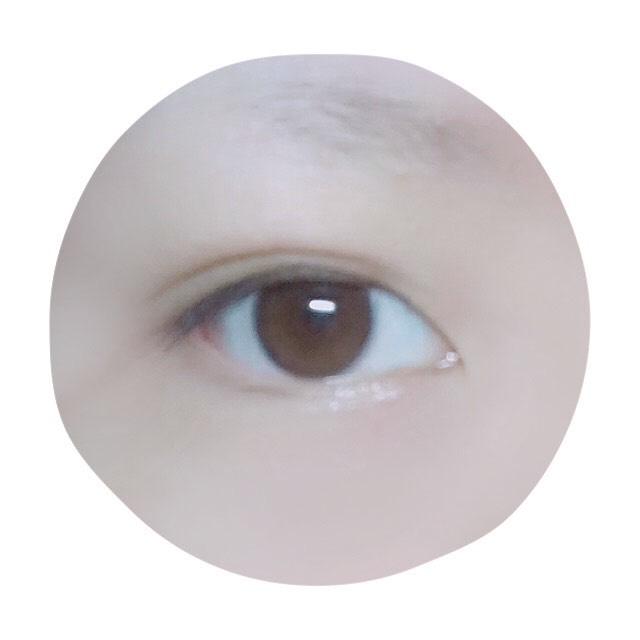 V系メイクのBefore画像