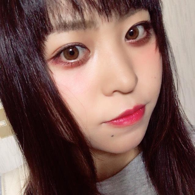チークはレッド系  カラコンは安室奈美恵さんのレヴィア アクアのものです♪