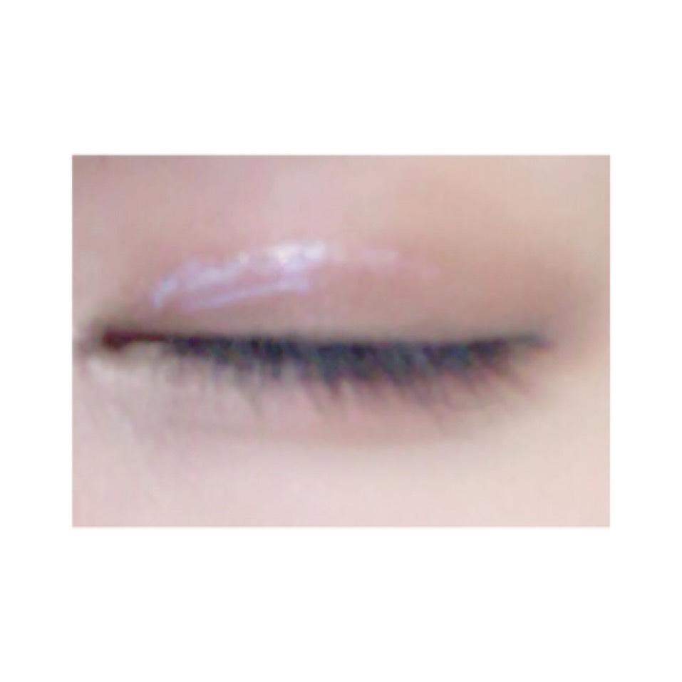 この白い糊が透明に変わるまで絶対に目を開けない。 乾いたら、プッシャーで補助しながらゆっくりと目を開ける(^-^)v