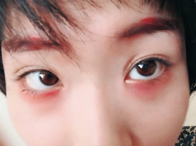 〜眉毛の説明〜 眉尻を、赤みブラウン(キャンメイク)のアイライナーで書く。 真ん中を、リップライナー(セザンヌ)で書く。 眉頭を、ブラウンのシャドウで少し書く。