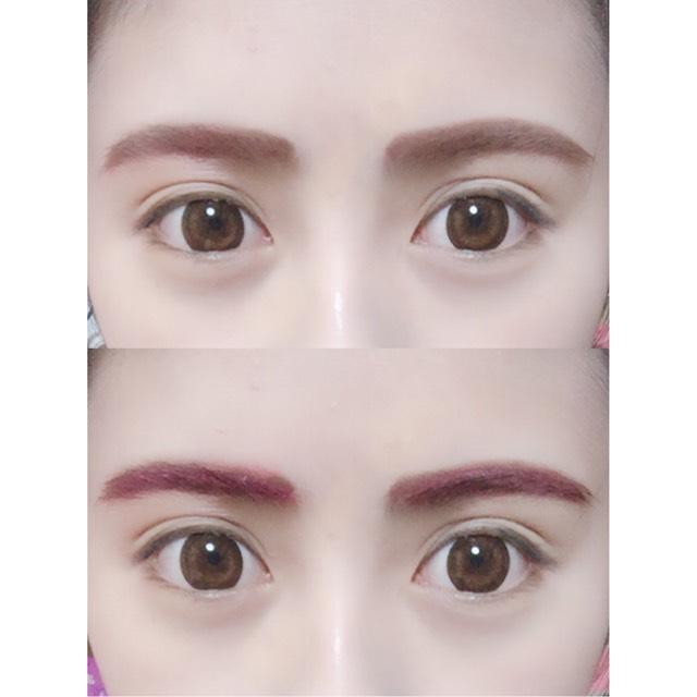 眉毛をピンクのパウダーで書いた後、ピンクのマスカラで眉毛を整えていきます。
