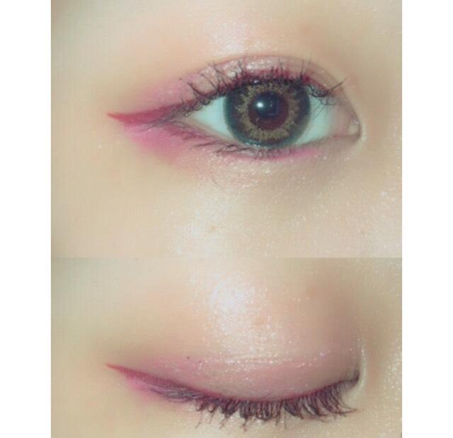全体的にピンクを使っているので印象がぼやけてしまわないようにまつげはしっかりあげてマスカラを二度塗りします  ロングタイプを使うことで二度塗りしてもがっつり見えない!