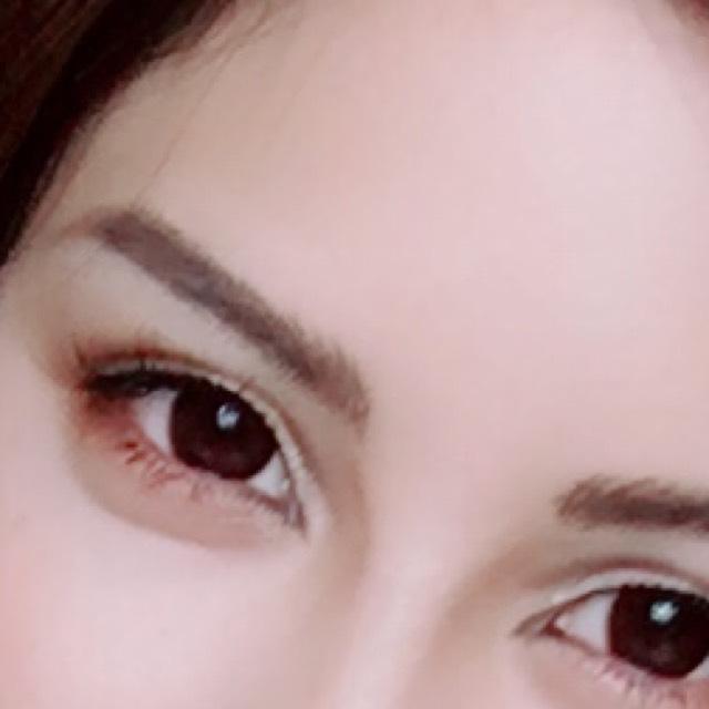 眉毛の目頭側は ペンでシュッシュって書いてるよwわかるかな?