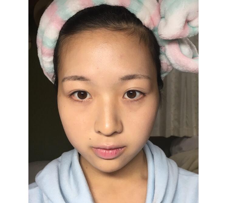 *まずはファンデ  使用コスメはみんなだいすき  MISSHA  クッションファンデ  *顔が大きいのが悩みなので  際まで塗らないように  心がけています!