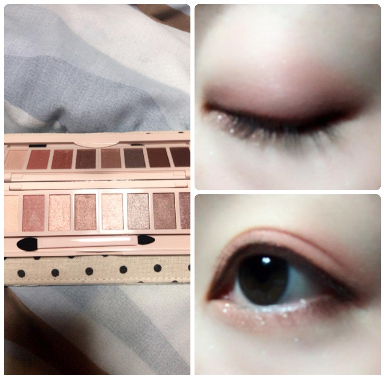 まぶた全体にハイライトカラーを塗り、二重幅と目の下にマットなスモーキーピンクを塗ります。 目の際には濃いめブラウンを細いチップに取り、ラインを引きます。