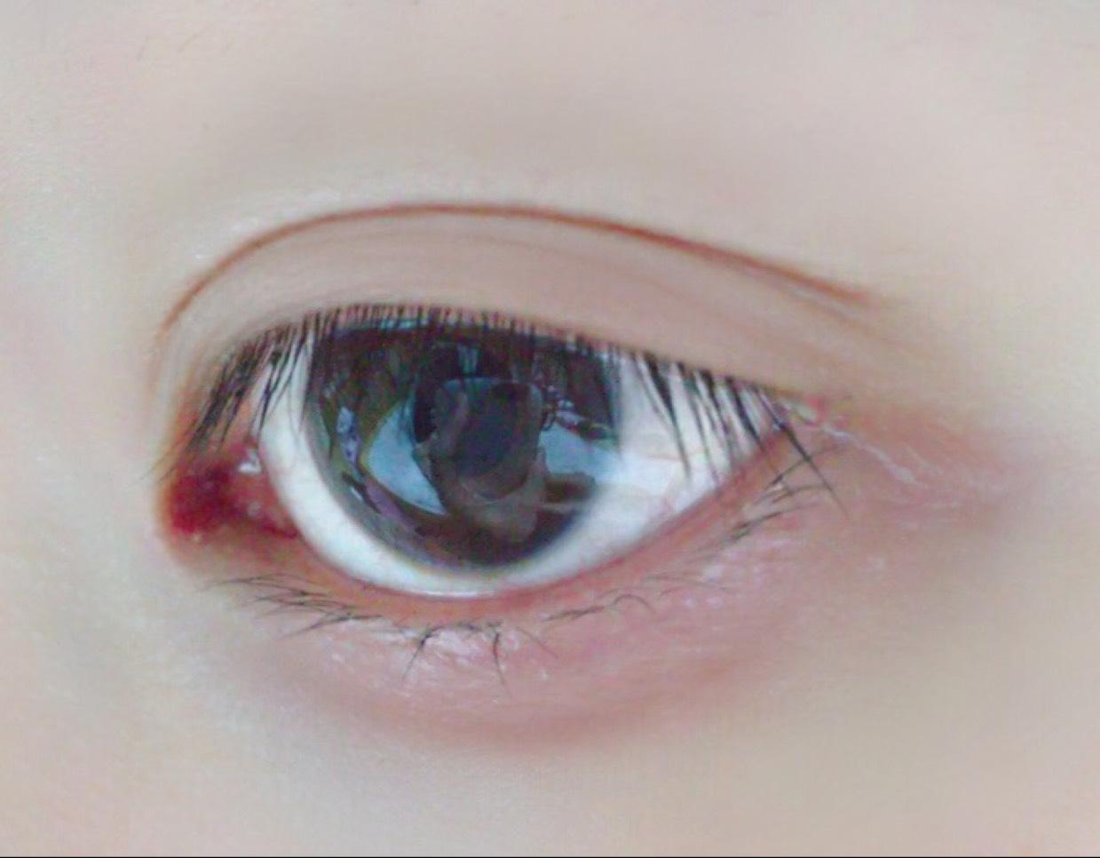 透明感メイクのBefore画像