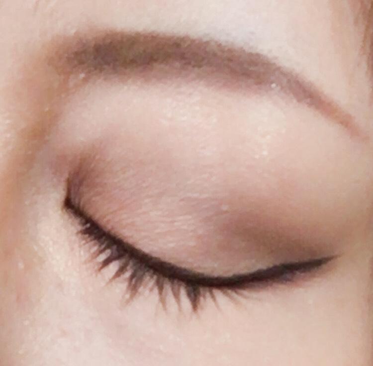 ③眉毛もちゃんと描いて 目を閉じるとこんな感じ。二重ラインは兎に角ぼかす