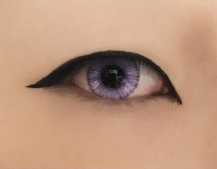 一重のままやってくから目を開けた時にラインが見える所までしっかり塗りつぶして切開と繋げる。