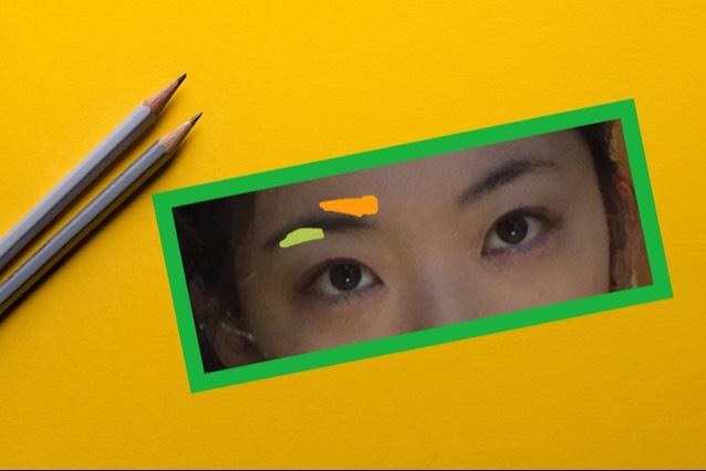 眉頭を眉山と平行に  眉山の下も少したす。  眉頭は濃いめなペンシルでかいて だんだんパウダーでぼかすと外人風になれて好きです