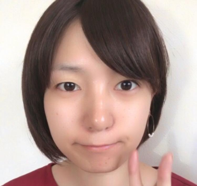 オール韓国コスメで赤メイクのBefore画像