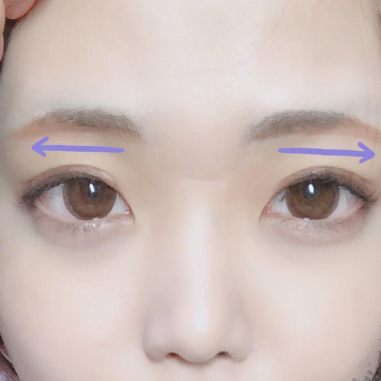 ペンシルのアイブロウで眉毛を並行に書いて、パウダーアイブロウで眉毛が生えてる部分に塗ります(眉毛脱色をサボっていたので自眉毛が浮いてる…_(:3 」∠)_)
