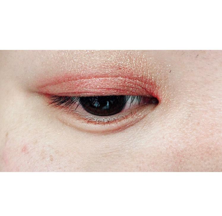 赤シャドウeyeメイクのAfter画像