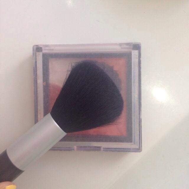 チーク ザ、ダイソーの4色チーク。色合い発色共に良くて使いやすいのでオススメです