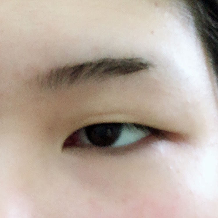 一重→二重の裸眼ナチュラル?メイクのBefore画像